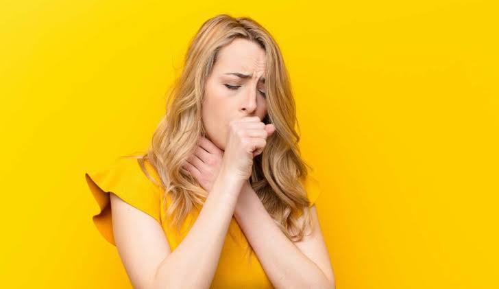 بعض العلاجات الطبيعية والفعالة لعلاج السعال الجاف!