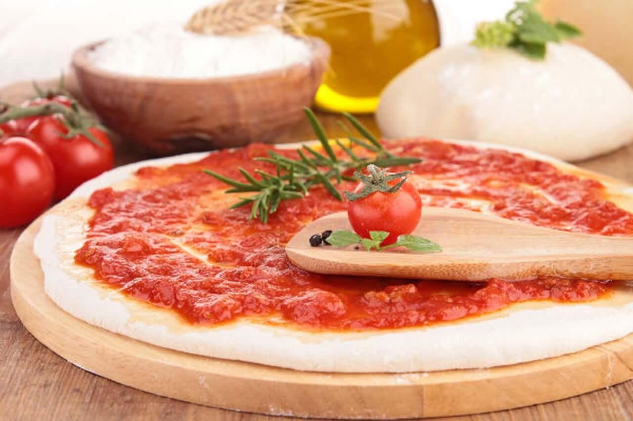 إعداد صلصة البيتزا