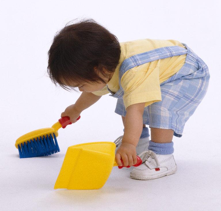 نقدم لك خطة زمنية ومهام منزلية مناسبة لعمر طفلك!