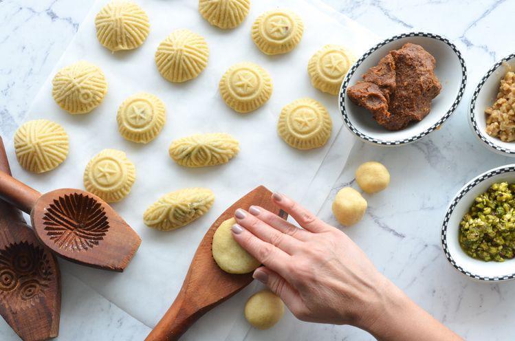 وصفات من حلويات وكحك العيد السعيد من حول العالم