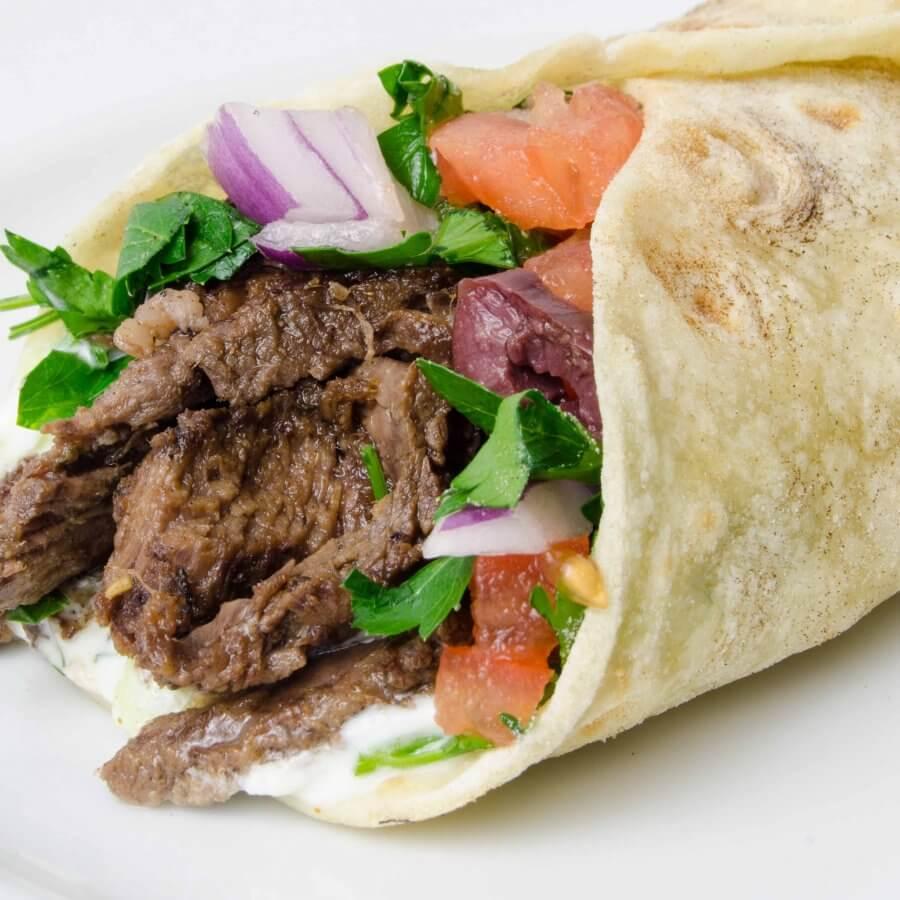 طريقة عمل شاورما اللحم اللذيذةبصلصة الطحينة الشهية