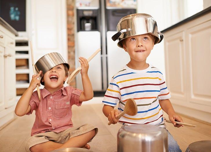 فوائد مشاركة أطفالك بعضهم نفس الغرفة
