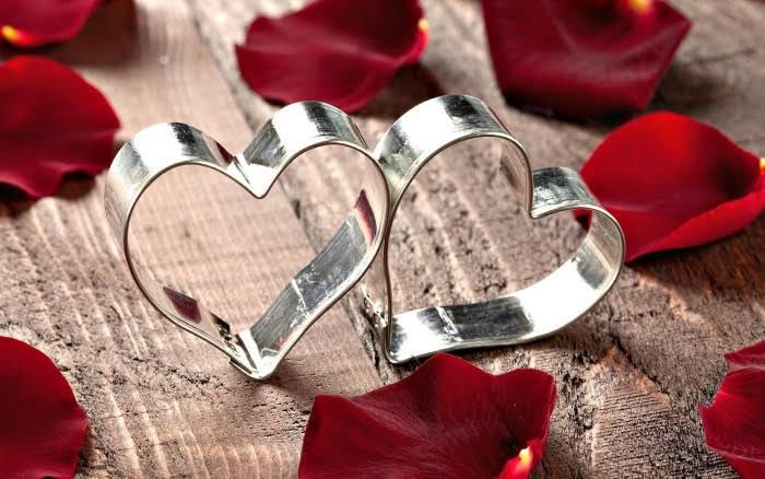 عبارات رومانسية فعالة تقوليها لزوجك لحياة زوجية متجددة (٢)