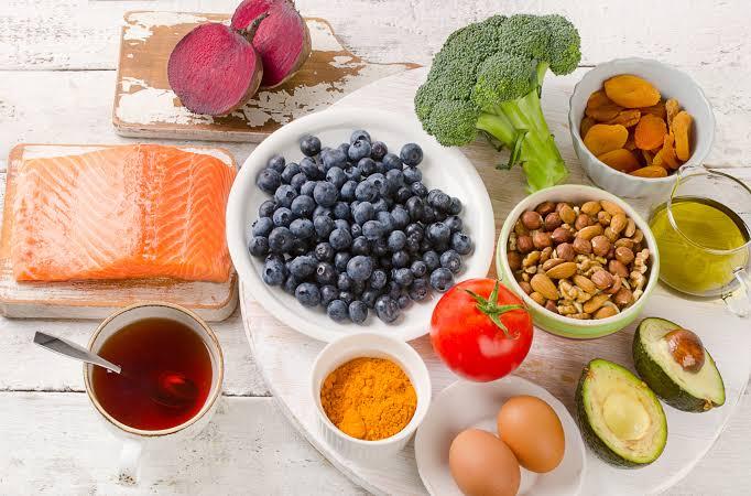 أهم سبعة أغذية لزيادة تركيز الأطفال وتفوقهم الدراسي