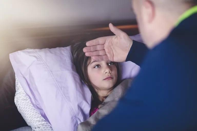 4 أشياء عليكِ معرفتها إذا كان طفلك مريضًا