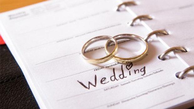 نشاركك سلبيات وايجابيات حفل الزفاف الكبير والصغير
