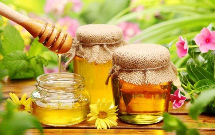 اجعلي تناول العسل من روتينك الصباحي.