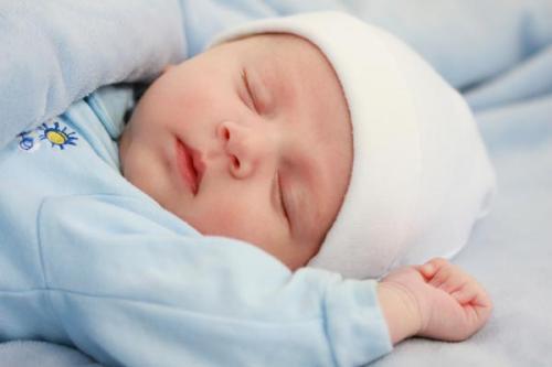 الرضاعة الطبيعية تقي الطفل من أمراض الكبد الدهني