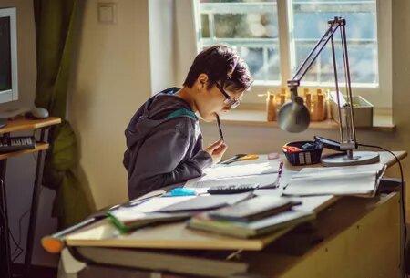 أفكار لتجهيز مكان لمذاكرة الأطفال بالمنزل إذا لم تتوافر مساحة