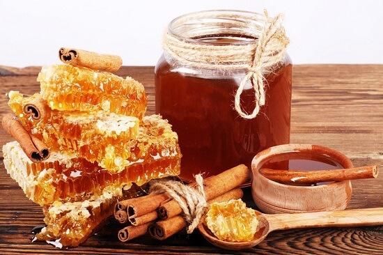 كيف تفرقين بين العسل الأصلي والمغشوش؟