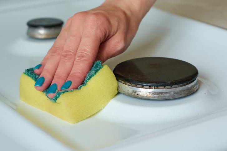 يمكنكِ تجنب بعض الأعمال المنزلية غير المفيدة لهذه الأسباب!