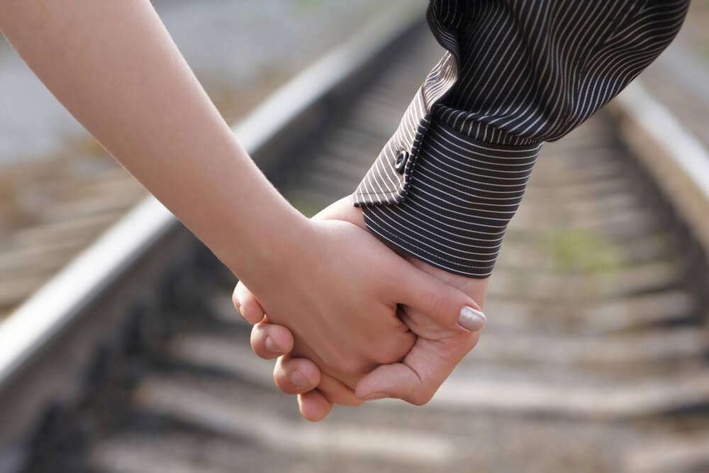 هل تتوقعين أن الحب غير المشروط يجعل العلاقة الزوجية صحية؟