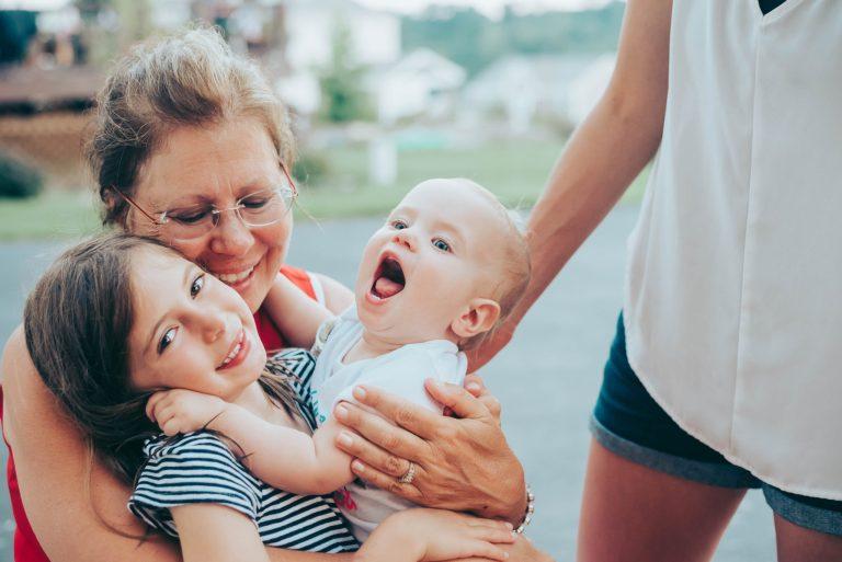 هل تشعرين بالإرهاق من الأمومة 😨😉