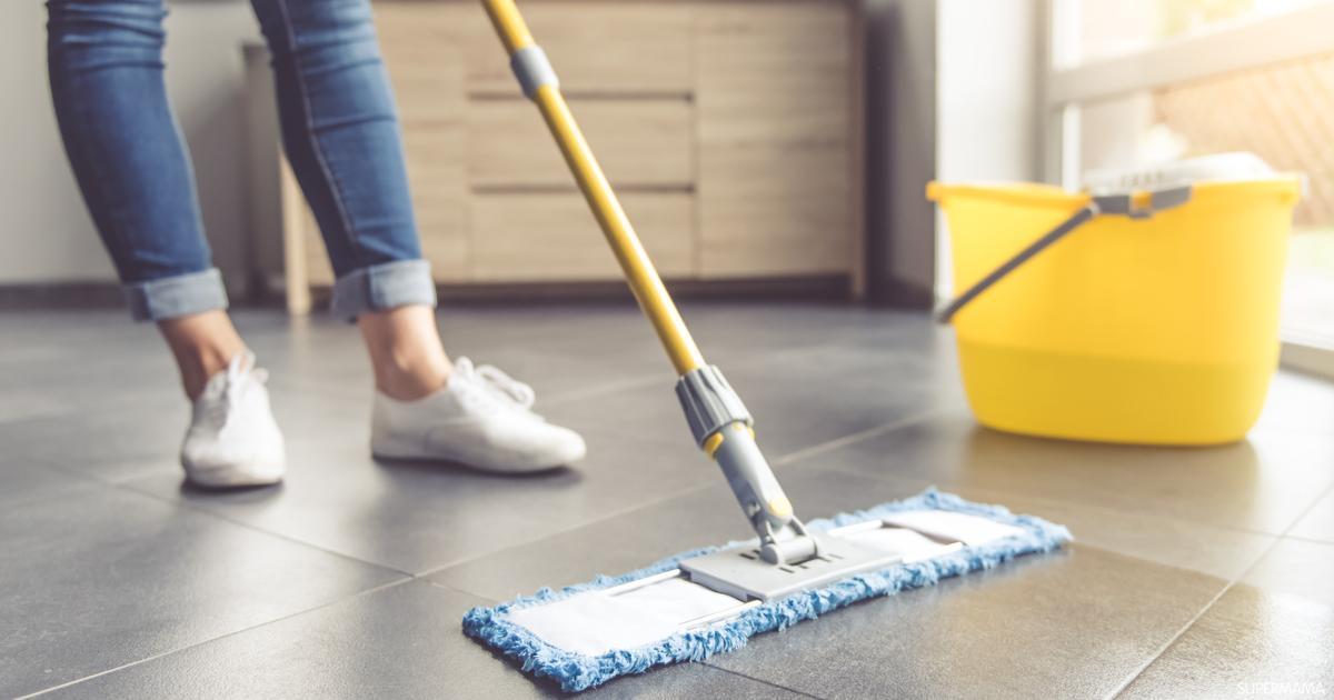 حلول تجعل أرضيات منزلكِ لامعة ونظيفة طوال اليوم