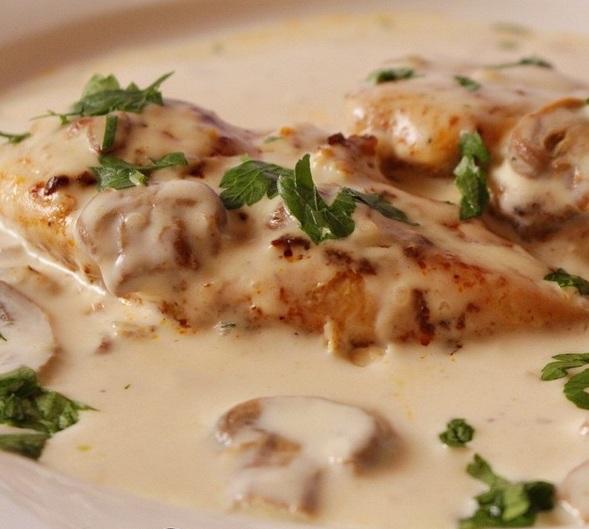 طبخات بصدور الدجاج ستيك الدجاج بالكريمة والفطر، شيش طاووق
