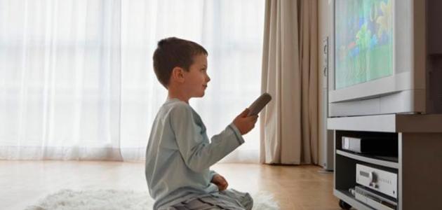 التدرج في السيطرة على تعلق الطفل بالتليفزيون