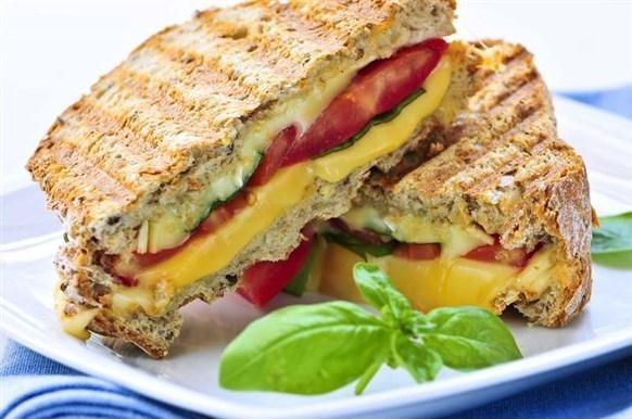 من خبز التوست  يمكنك ان تقدمي وصفات متنوعة شهية ولذيذة