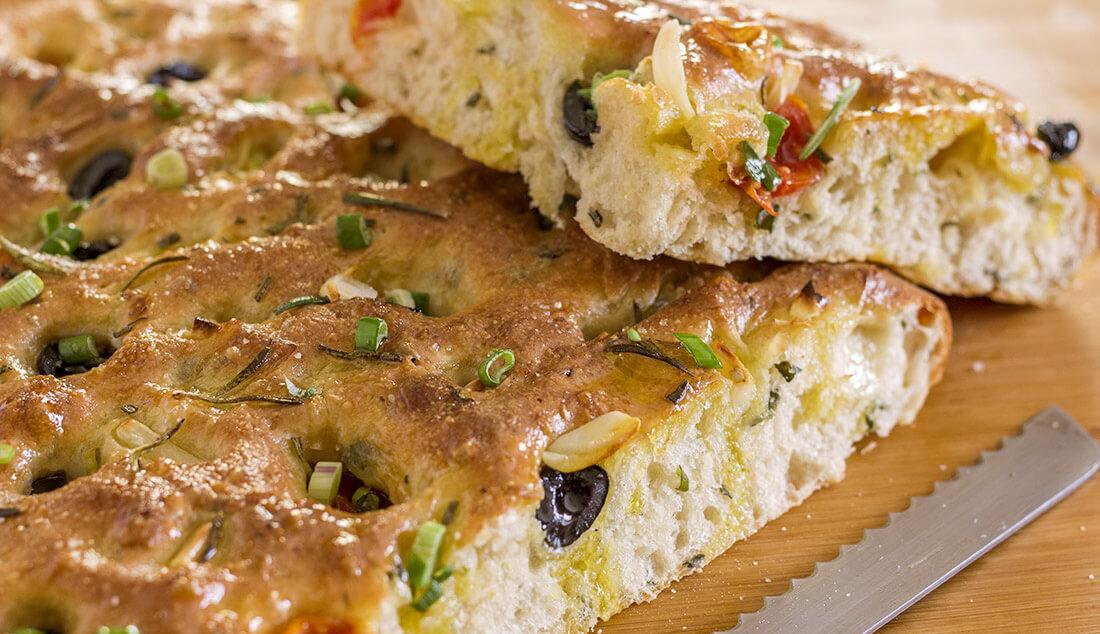 بداية يوم مميزه مع خبز الفوكاشيا الإيطالي