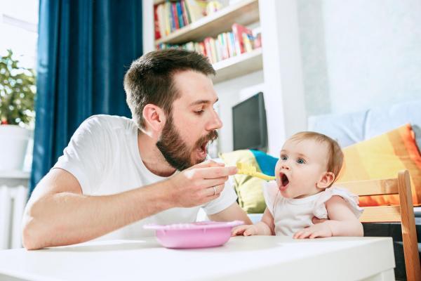 إطعام طفلك من 6: 12 شهر🤱