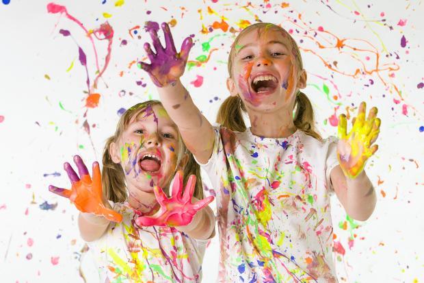 تعرفي على الألوان و مدى تأثيرها على طفلك!