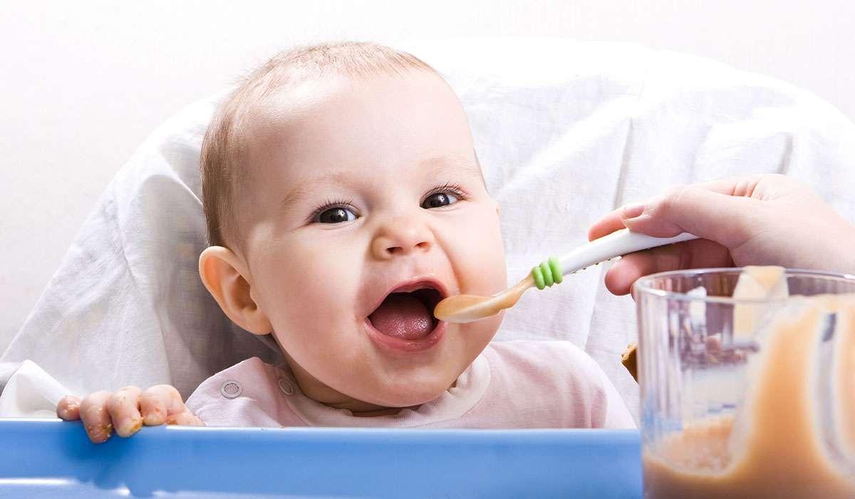 تغذية الرضيع من 4 ل 6 شهور